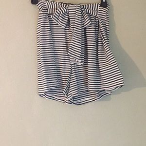 NWOT Lush striped navy/green tie front shorts